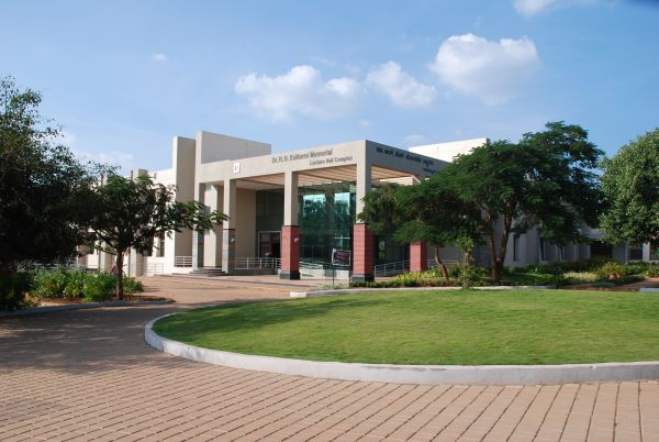 B V Bhoomaraddi College of Engineering and Technology Campus