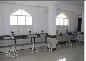 Farooqia Dental College Science Lab
