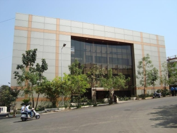 Shri Ramdeobaba Kamla Nehru Engineering College Campus