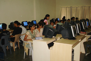 Sinhgad College of Architecture Computer Lab