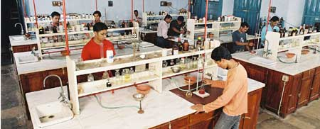 St Alberts College Kochi Science Lab