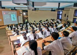 Dharmsinh Desai Institute of Technology Nadiad Classroom
