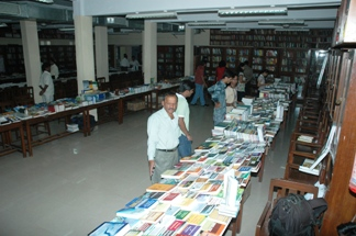 KPB Hinduja College of Commerce and Economics Mumbai Library