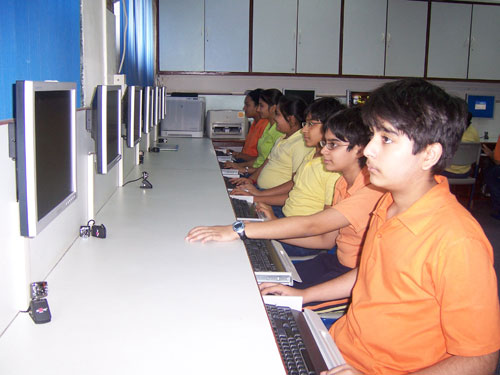 Poddar International High School Computer Lab
