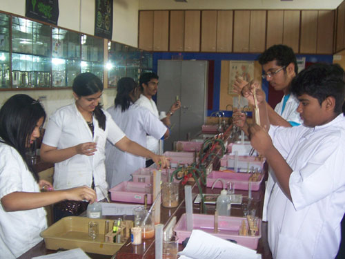 Poddar International High School Science Lab