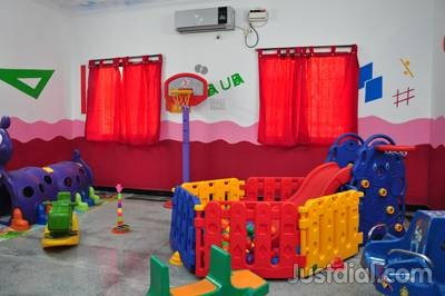 Cuddle Play School Hyderabad Play area